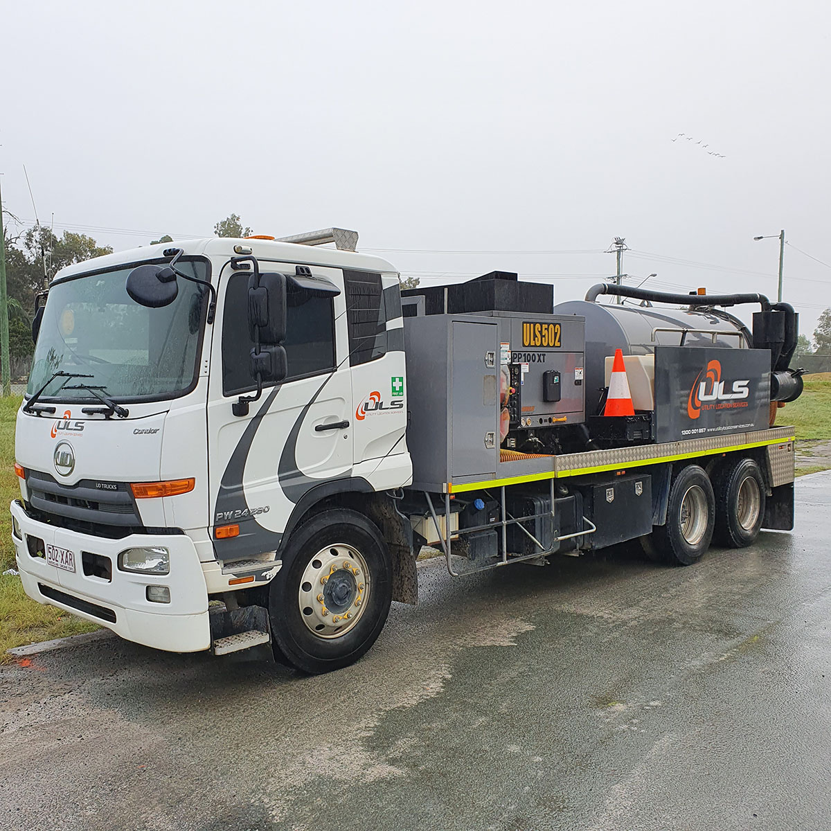 1200 hi cfm 4500 litre vac truck for hire gold coast brisbane