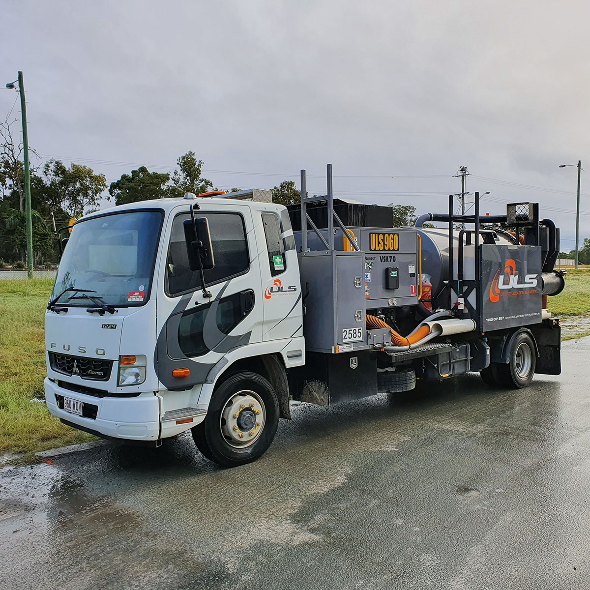 3000 litre 1000 hi cfm vac truck for hire gold coast brisbane